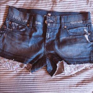 Seven for all man kind shorts wt floral pocket